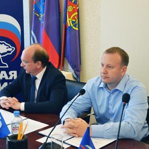 Местный политический совет поздравил избранных депутатов